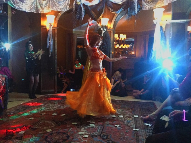 Nefabit-hire-professional-dancer-halloween-washington-idaho-bellydancer